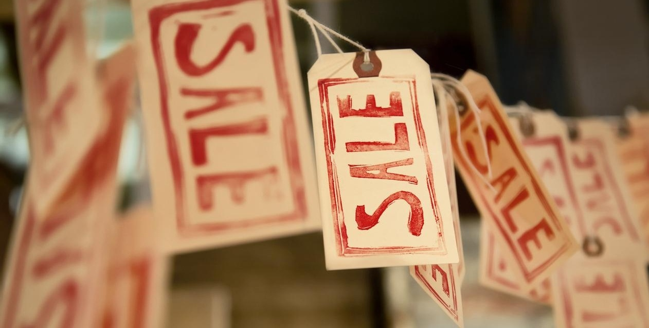 sale-shopping-black-friday-287218-edited.jpg